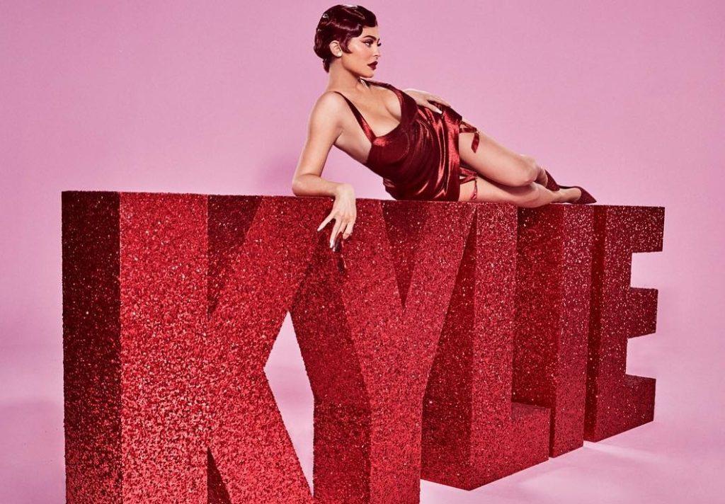 kylie-cosmetics-valentine-2019 (6)